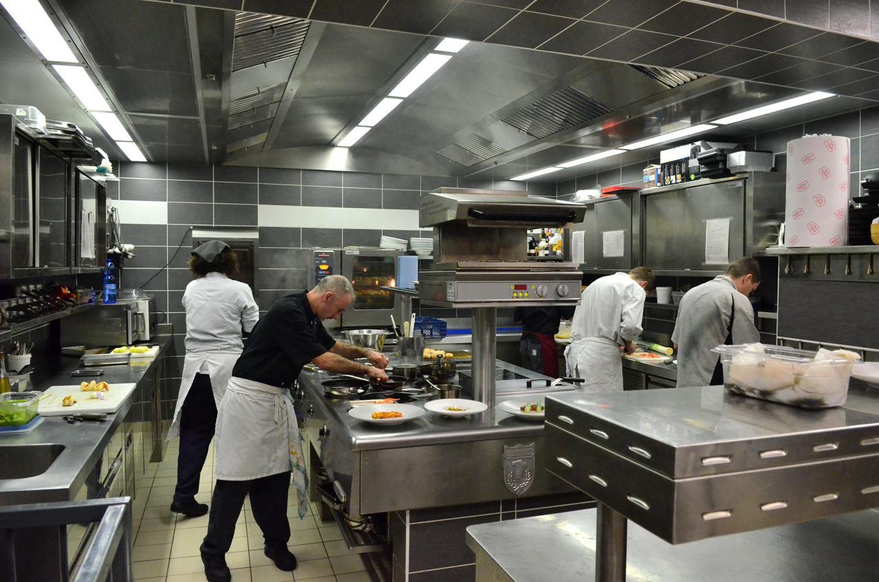 Comment am nager sa cuisine pro le blog - Plan de travail cuisine professionnelle ...