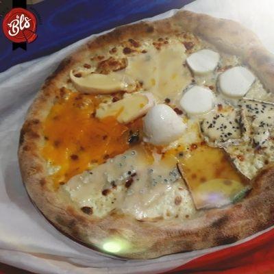 Pizza de la pizzéria le BLS
